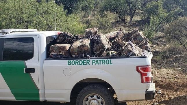 Man with Oregon arrest warrant caught smuggling 820 pounds