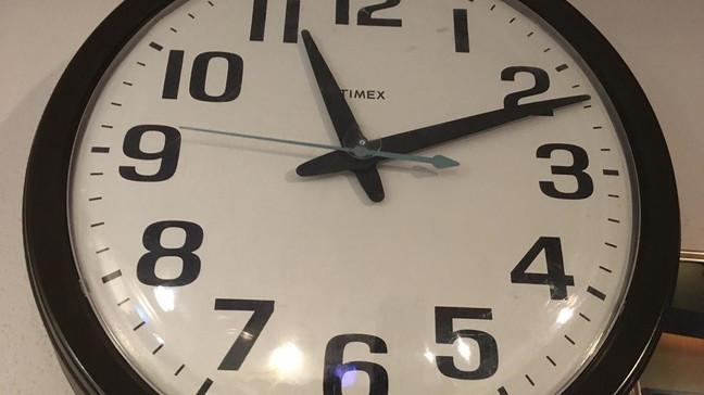 when do we turn the clocks back fall 2020